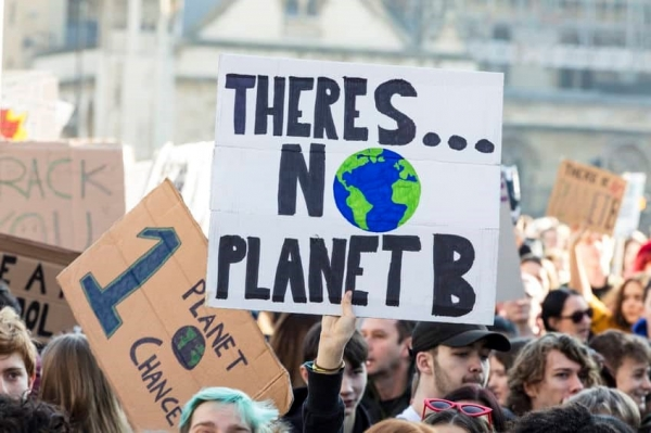 ▲ Climate Emergency Protest in the UK (Source= advertiserandtimes.co.uk)